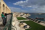 Foto, Bild: Malta, Blick von Upper Barracca Gardens in Valletta auf Grand Harbour
